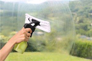 Пульверизатор в комплекте со сменной салфеткой для стеклоочистителя WV