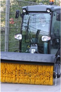 Фронтальная цилиндрическая щетка для коммунальной машины Karcher MC 50 (140см)