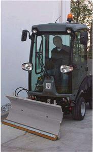 снегоуборочный отвал  с пружинным механизмом для коммунальной машины Karcher MC 50